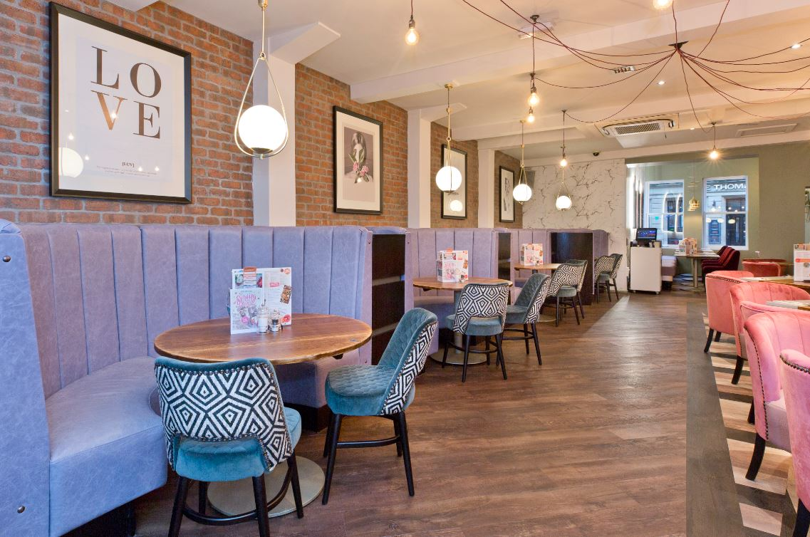 purple-booths-and-pink-chairs-at-slug-and-lettuce-bottomless-brunch-derby