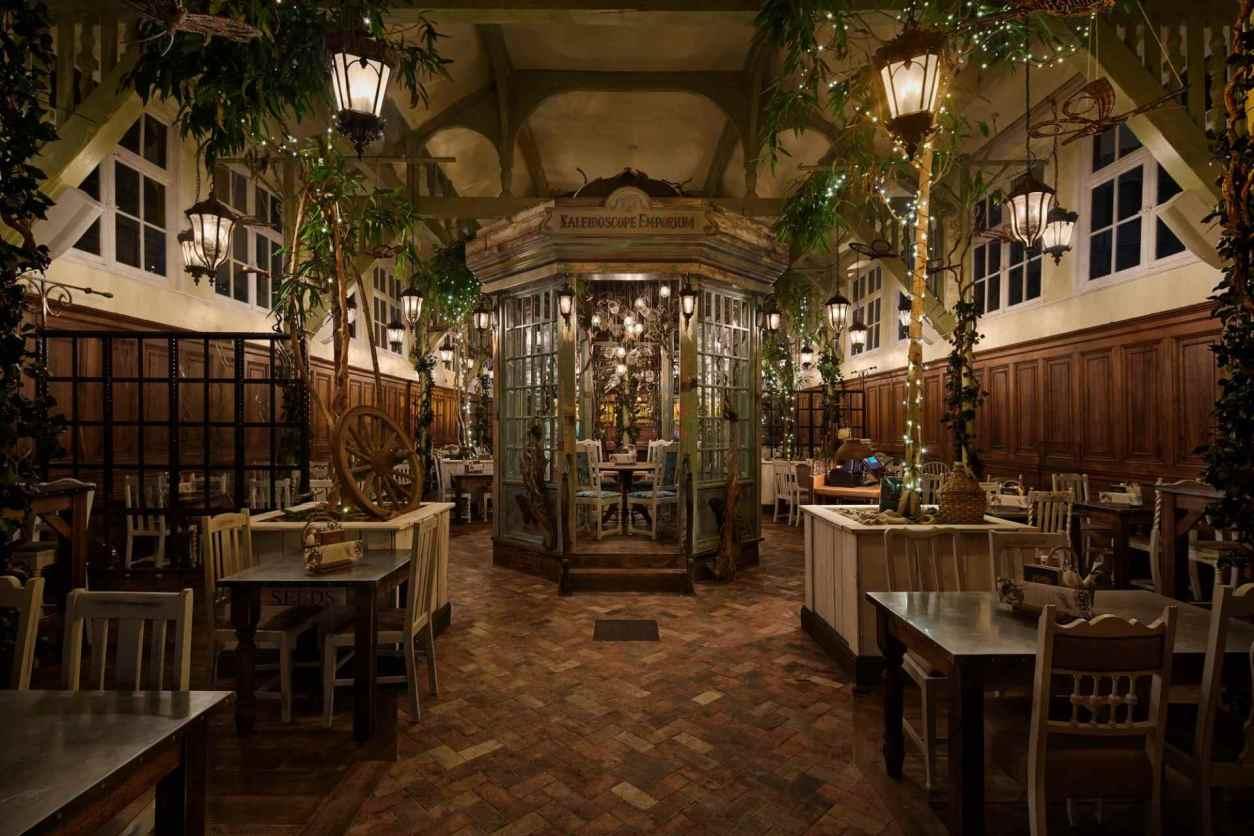 rustic-restaurant-room-at-the-botanist