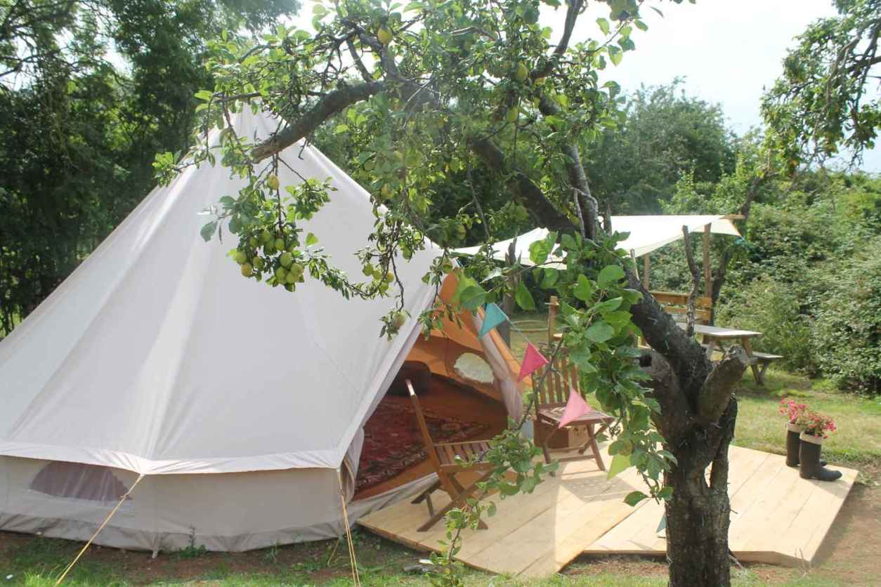 white-plum-tree-glamping-bell-tent-with-decking