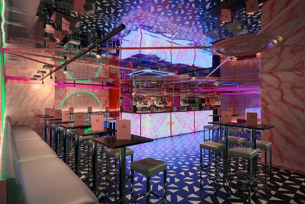 bar-tables-in-tonight-josephine