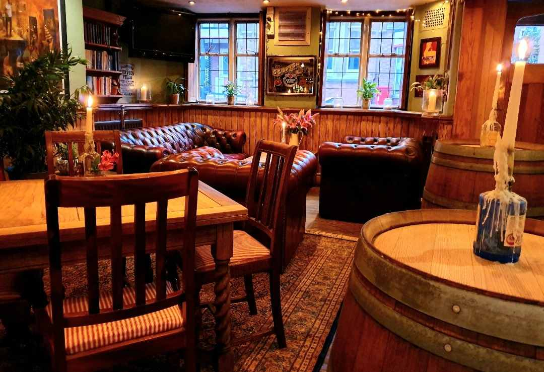 tables-inside-cosy-bar-the-marlborough-arms