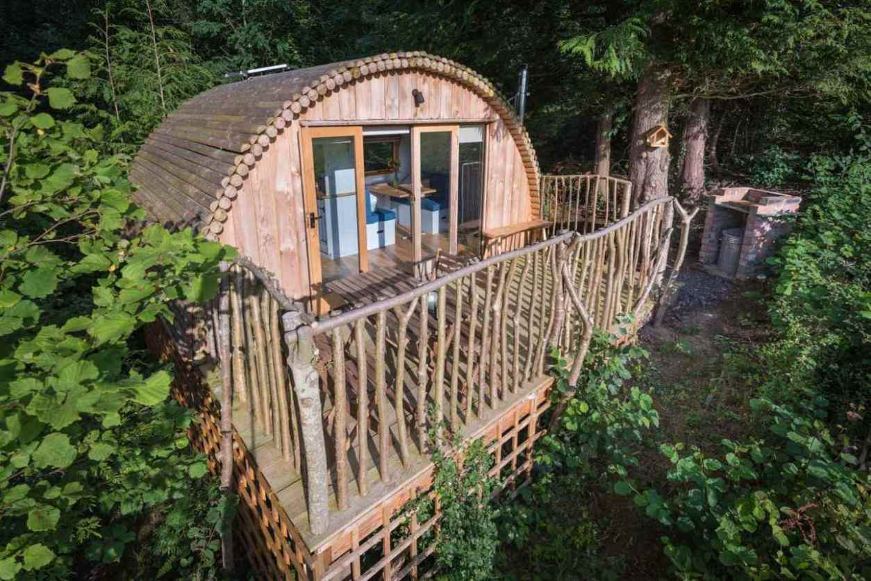 the-celyn-cabin-with-decking-in-woodland-at-celtic-woodland-holidays