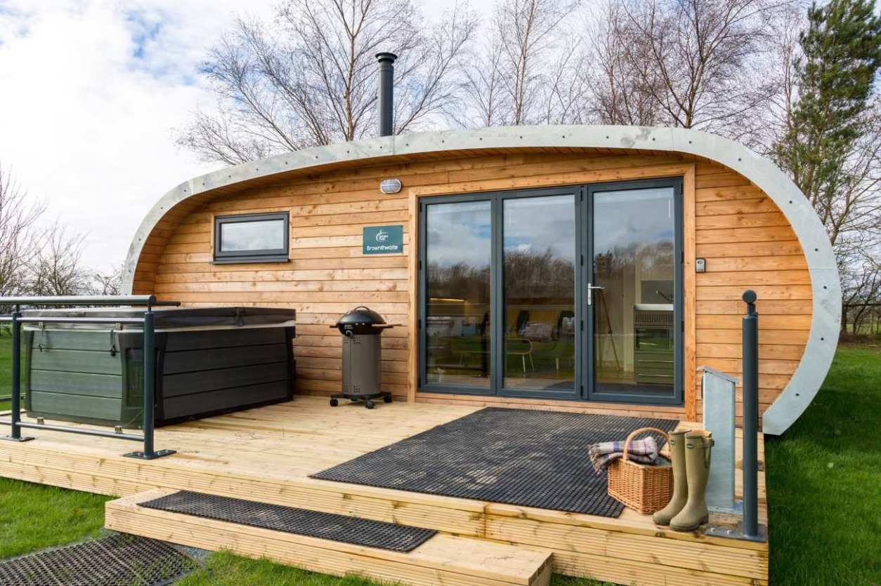 brownthwaite-glamping-pod-with-hot-tub-at-fell-view-park