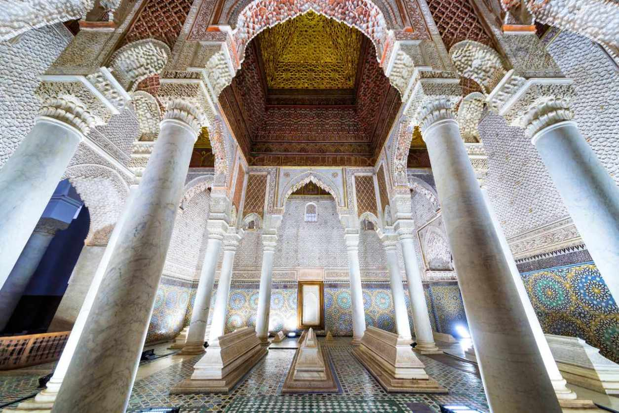 inside-saadian-tombs-marrakech-itinerary