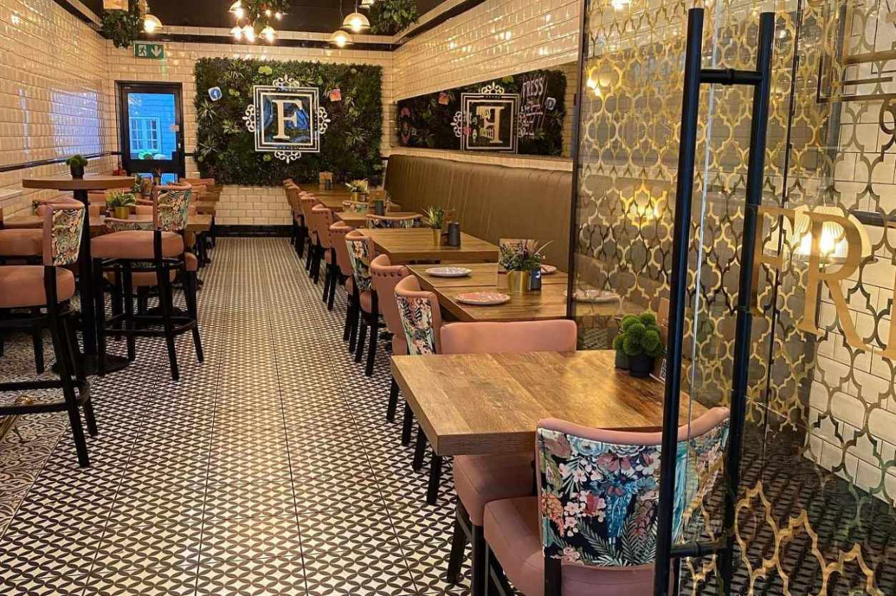 interior-of-fress-cafe-with-restaurant-tables