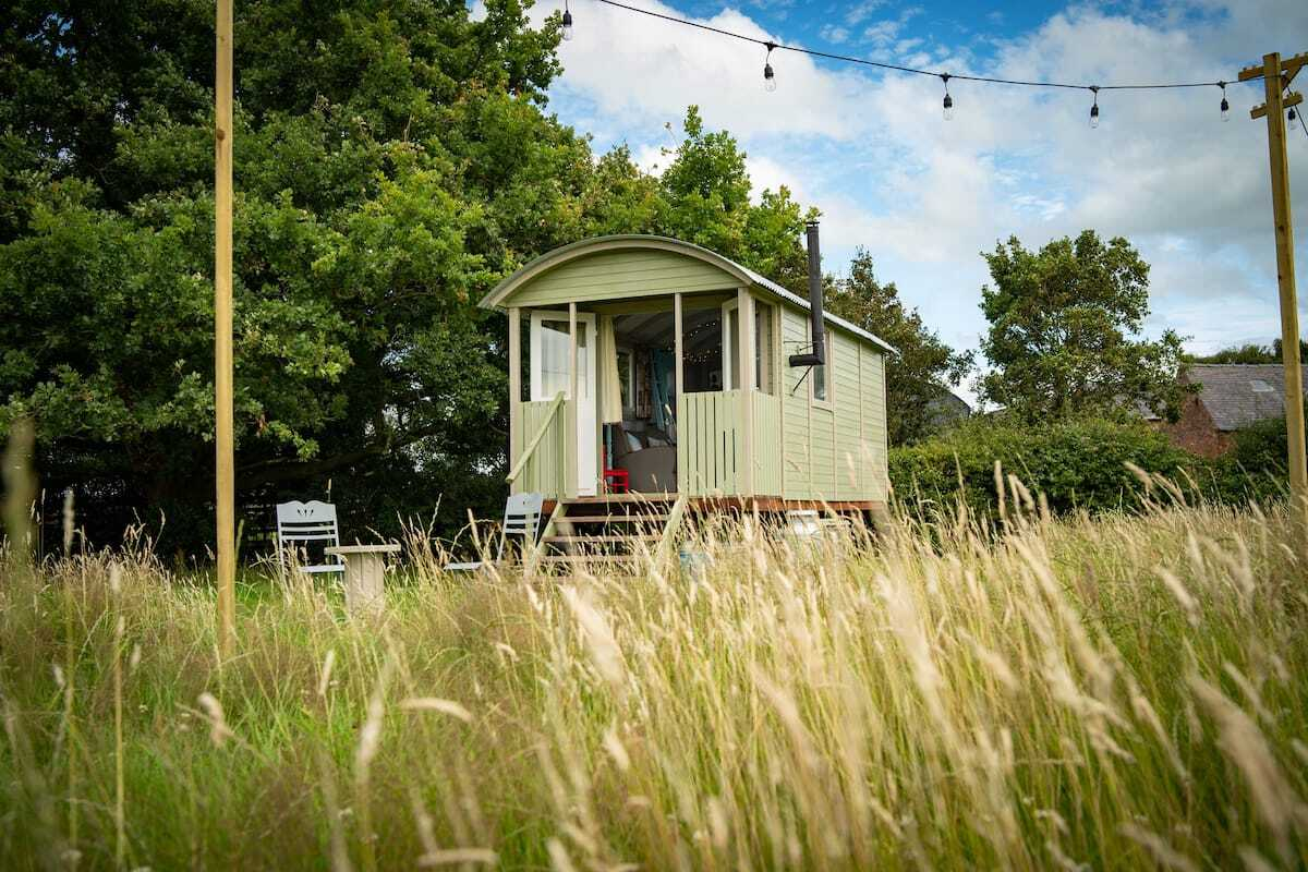 mint-green-barton-shepherds-hut-in-field-glamping-cheshire