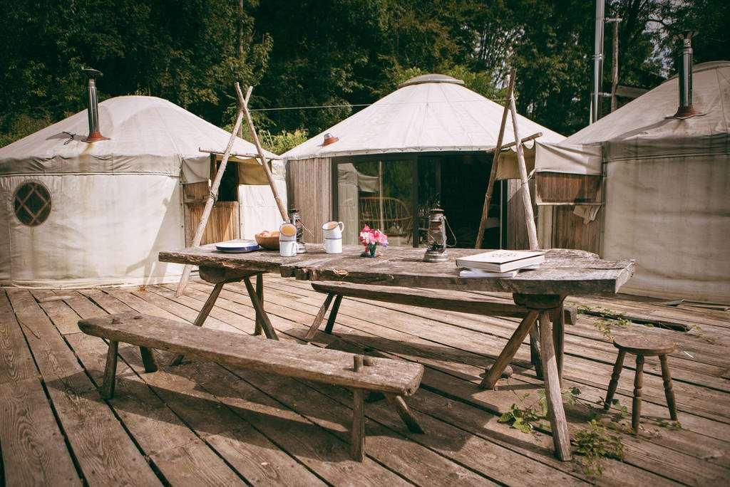 exterior-of-chiefs-den-yurt-at-campbell-woods