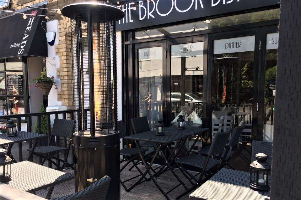 exterior-of-the-brook-bistro-with-outdoor-seating