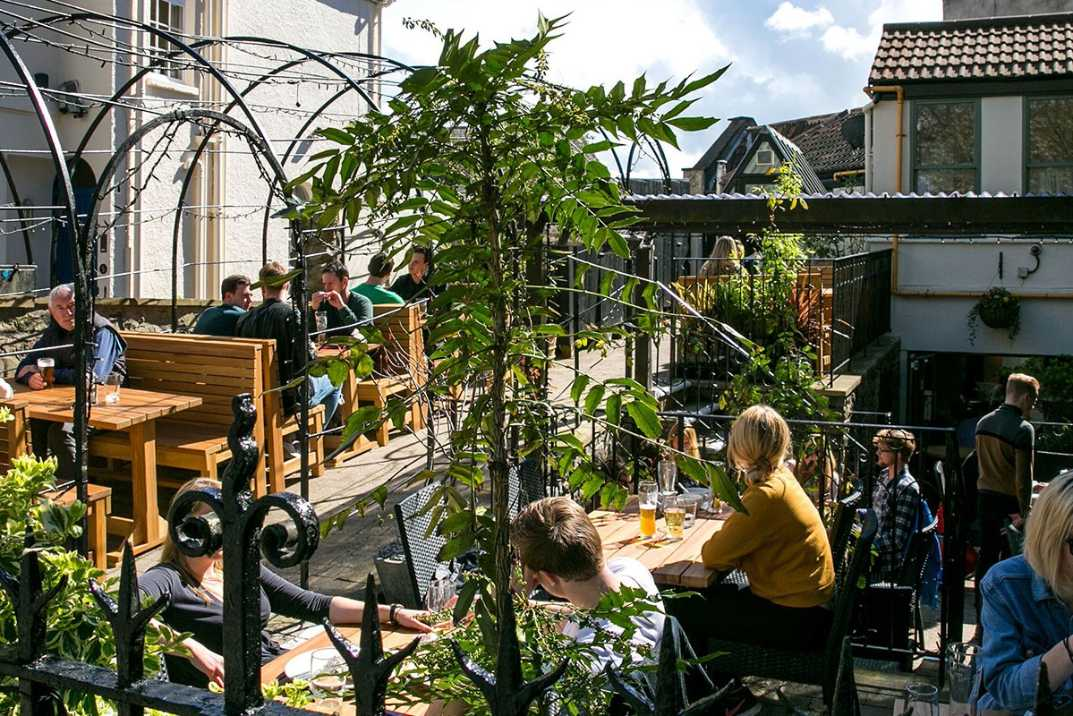 people-eating-outside-at-the-mall-clifton-rooftop-bars-bristol