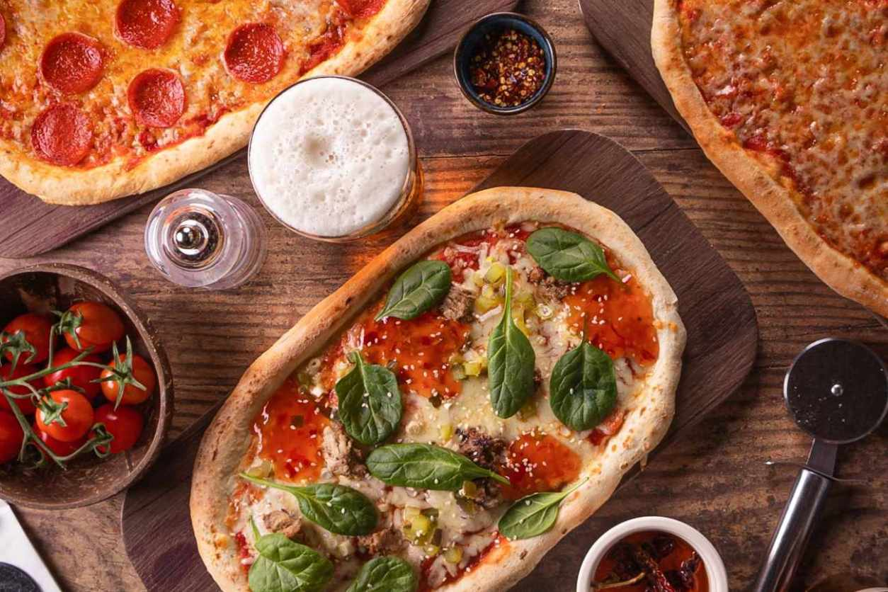 pizza-and-drinks-at-charles-street-tap
