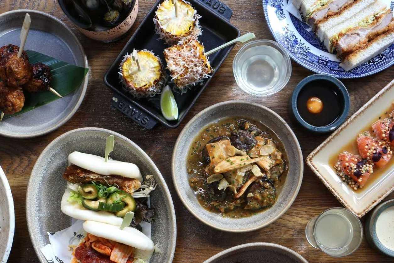 bowls-and-plates-of-japanese-food-at-shack-fuyu