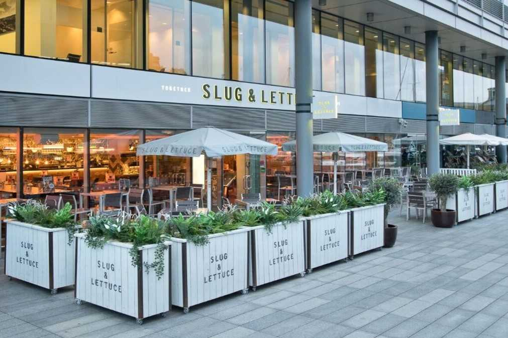 exterior-of-slug-and-lettuce-with-outdoor-seating