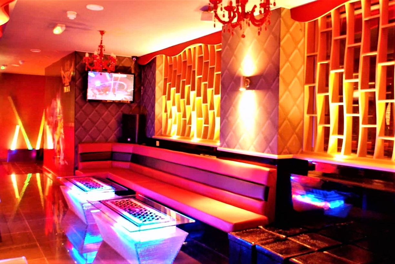 interior-of-k-max-karaoke-bar-with-seating
