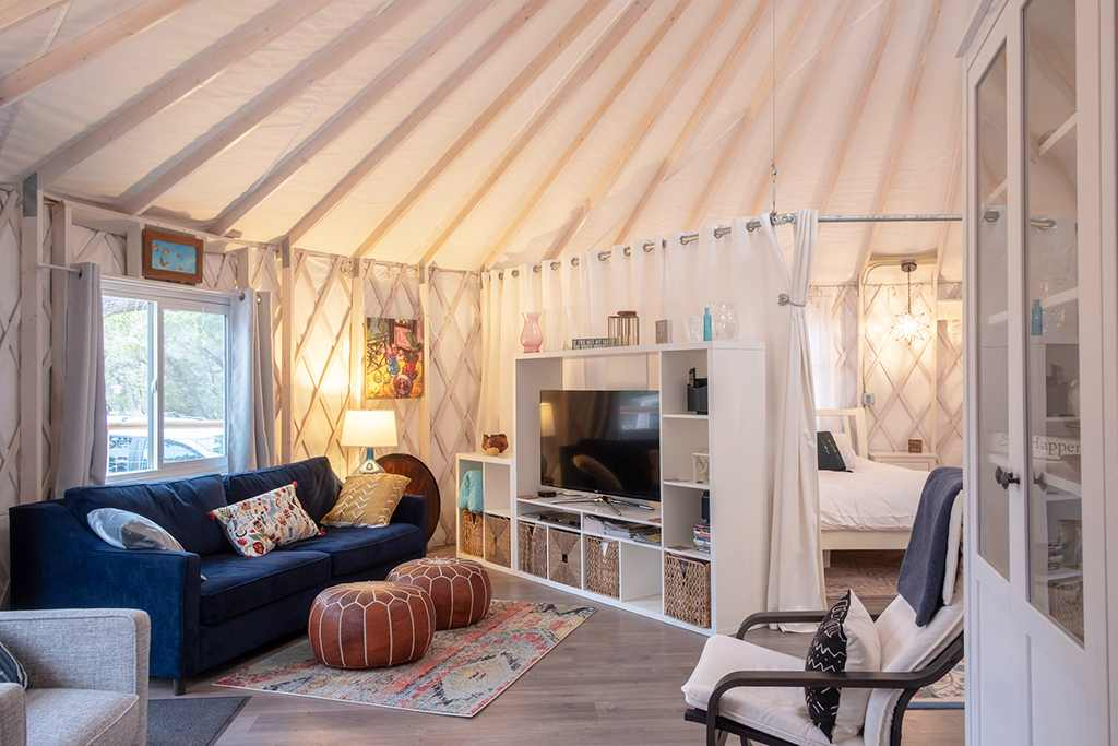 interior-of-the-cedars-ranch-luxury-eco-yurt-glamping-texas
