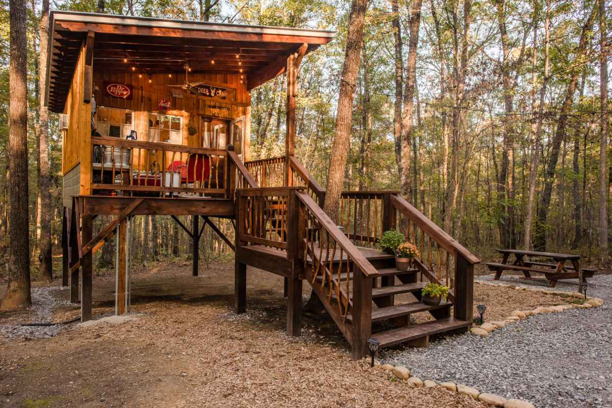 deer-camp-cabin-in-woodland-glamping-tennessee