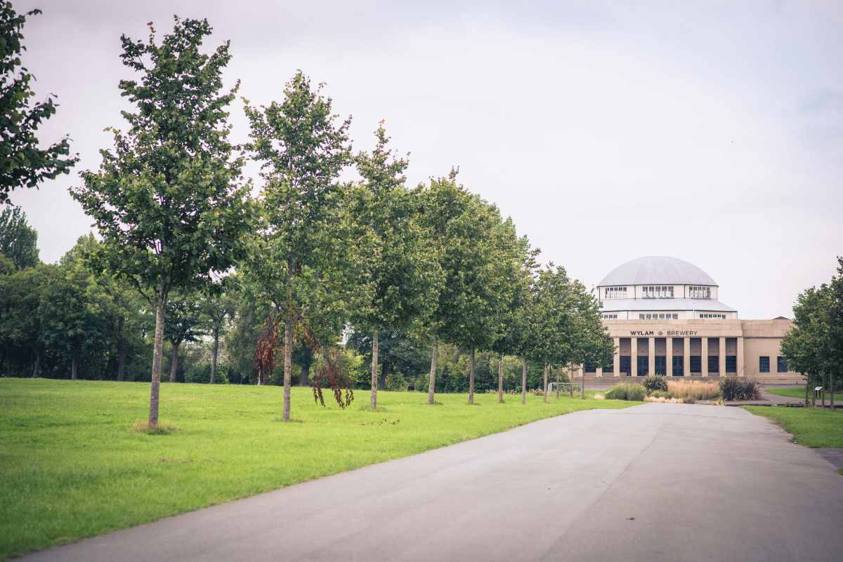 exhibition-park-tree-lined-approach-to-wylam-brewery