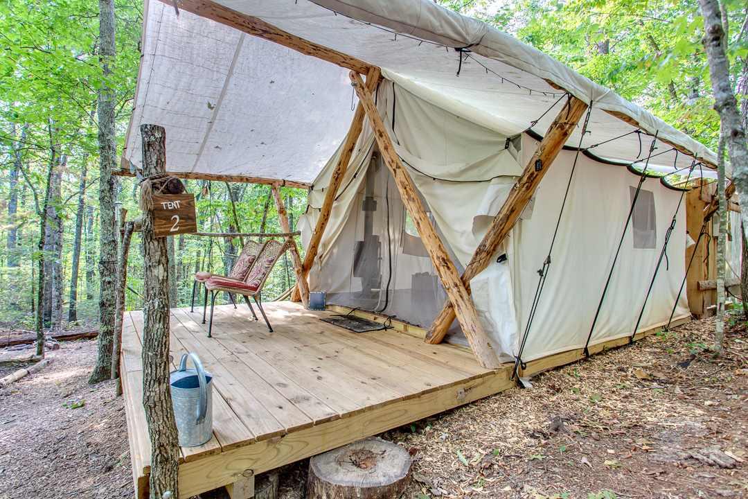 exterior-of-canopy-ridge-safari-tent-glamping-tennessee