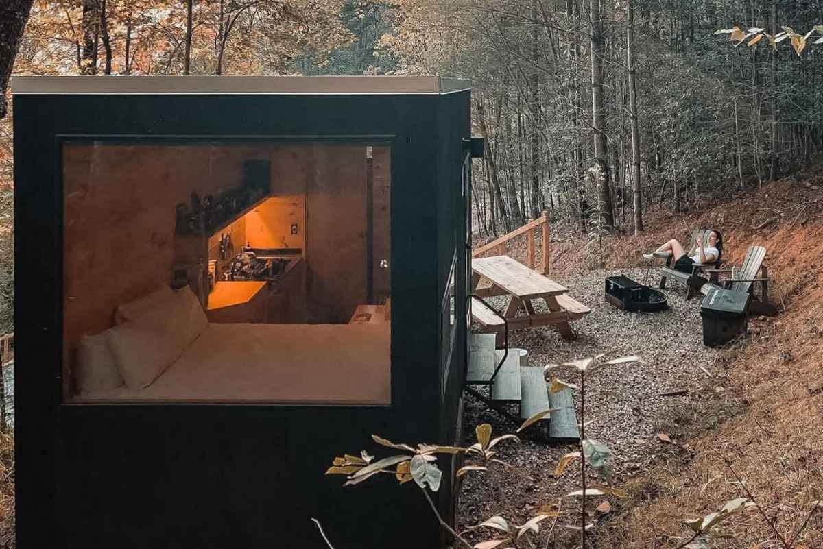 getaway-dale-hollow-cabin-with-outdoor-seating-in-forest