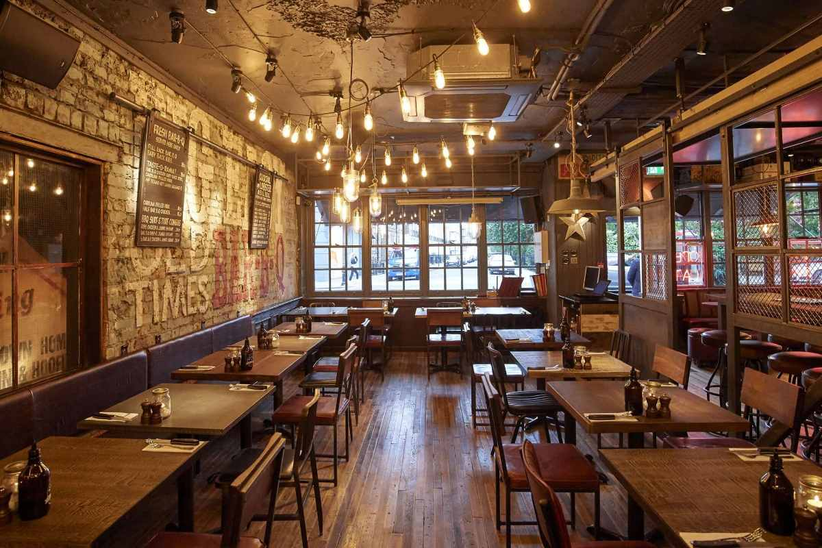 interior-of-big-easy-kings-road-bottomless-brunch-chelsea