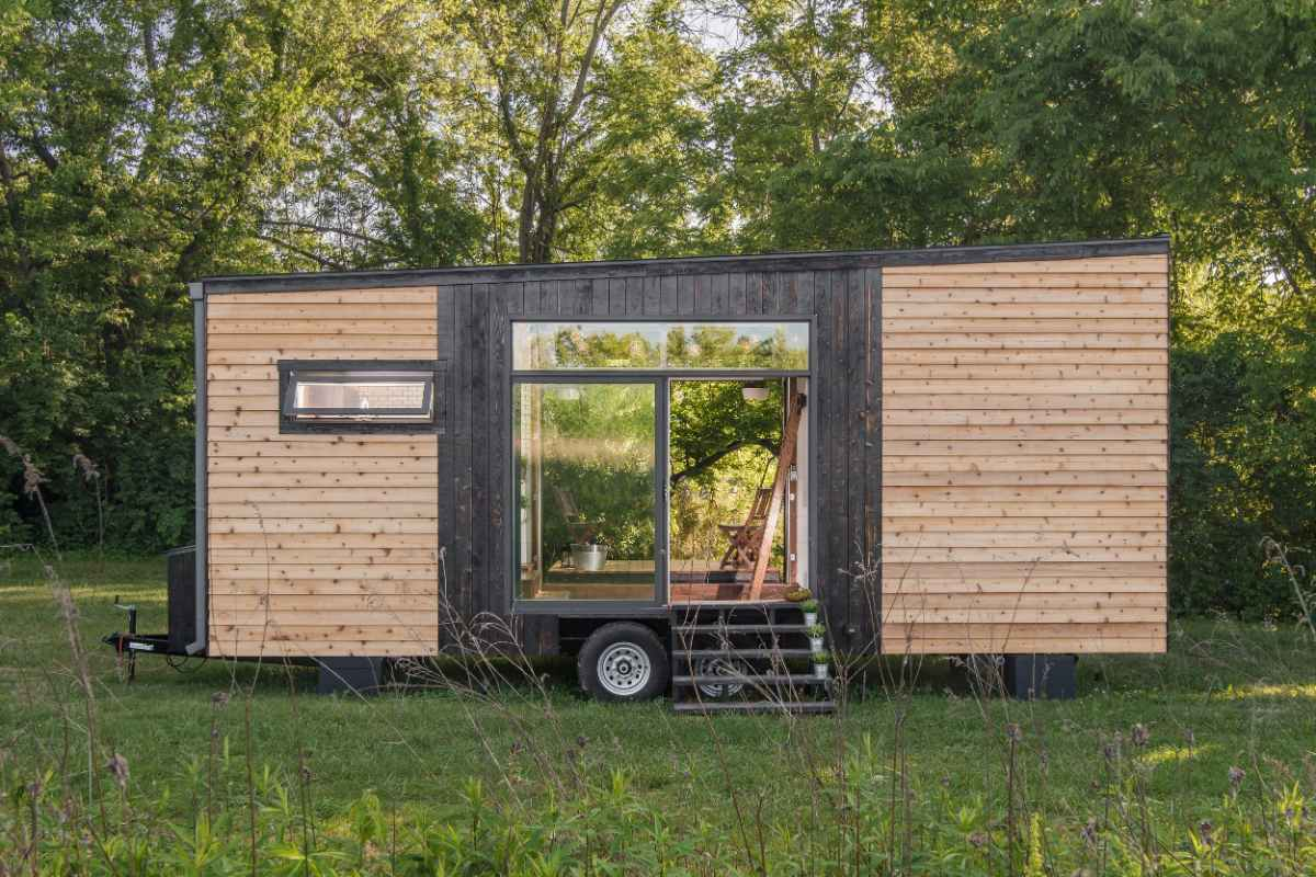 ironwood-grove-tiny-house-hotel-in-field
