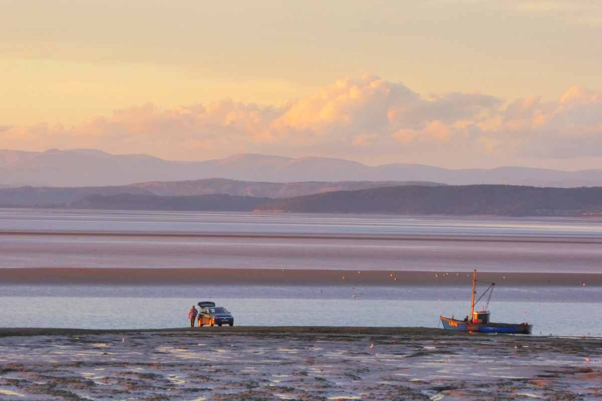 morecambe-bay-at-sunset-beaches-in-liverpool