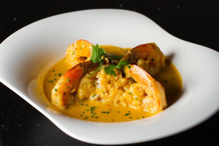 bowl-of-curry-shrimp-at-scarlet-oak-restaurant-and-bar