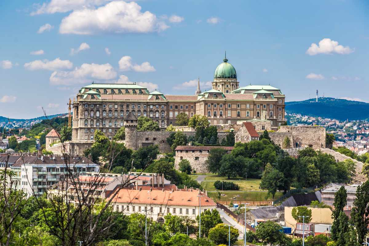 buda-castle-on-top-of-buda-hill-on-sunny-day