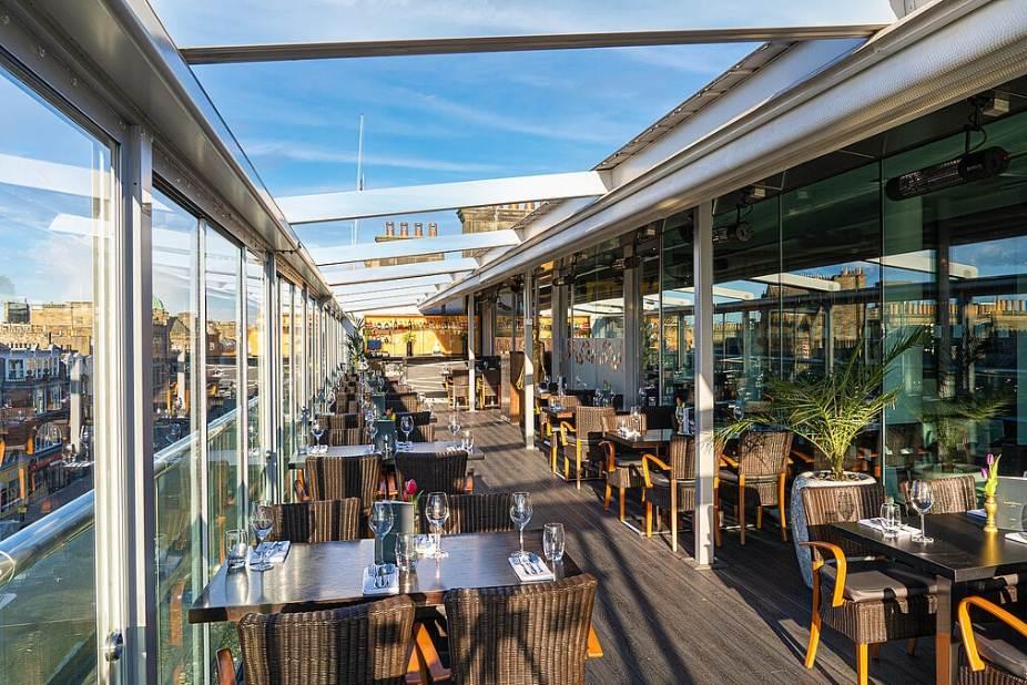 chaophraya-bar-on-sunny-day-rooftop-bars-edinburgh