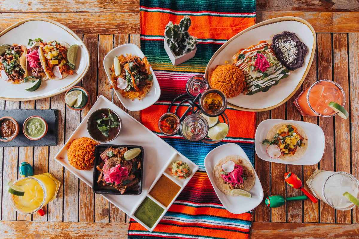 drinks-and-bowls-of-food-on-table-of-el-centro-restaurant