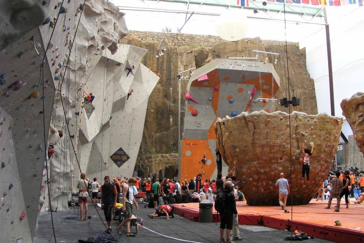 edinburgh-international-climbing-arena-indoor-activities-edinburgh
