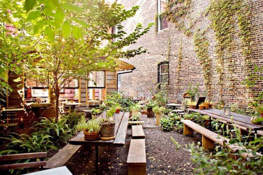 milk-and-roses-restaurant-backyard-bottomless-brunch-nyc