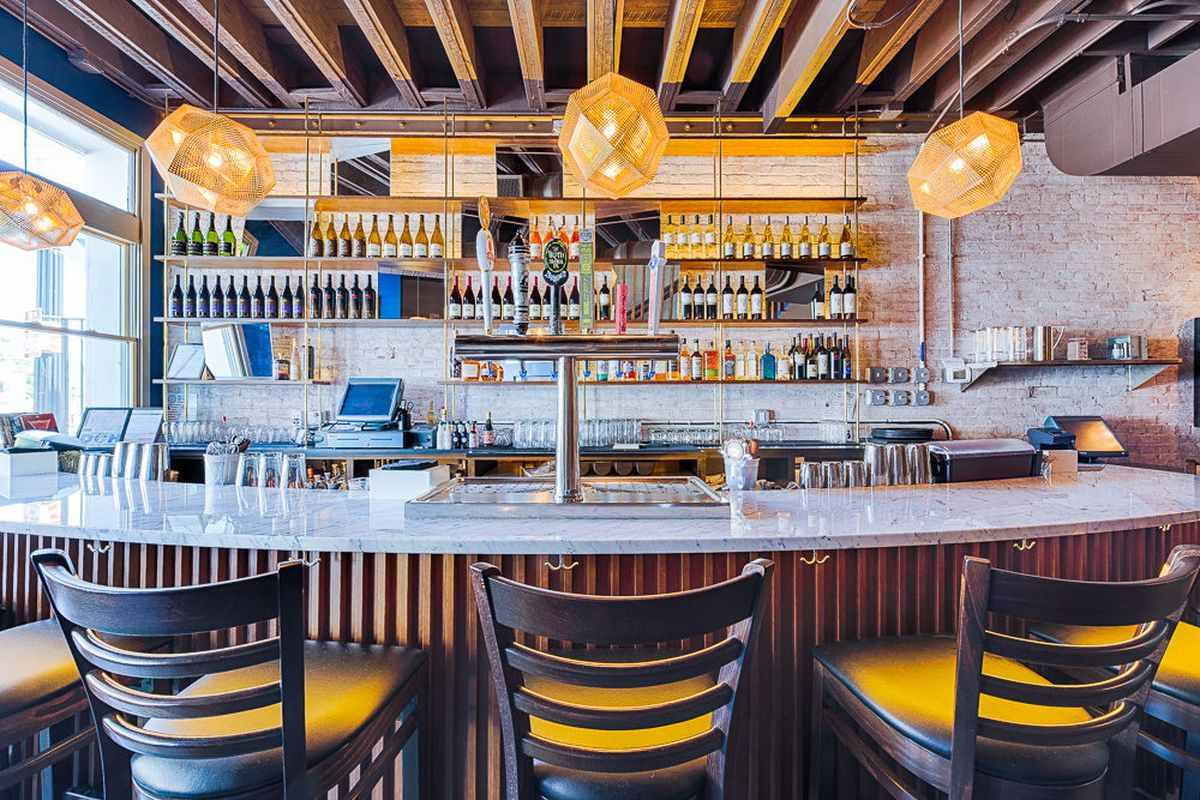 seats-at-bar-of-dc-harvest-restaurant