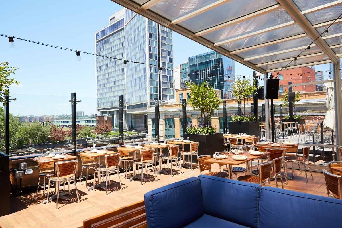 stk-steakhouse-restaurant-rooftop-bottomless-brunch-nyc
