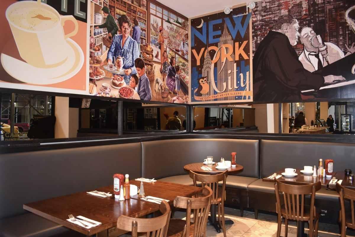 tables-inside-carnegie-diner-and-café