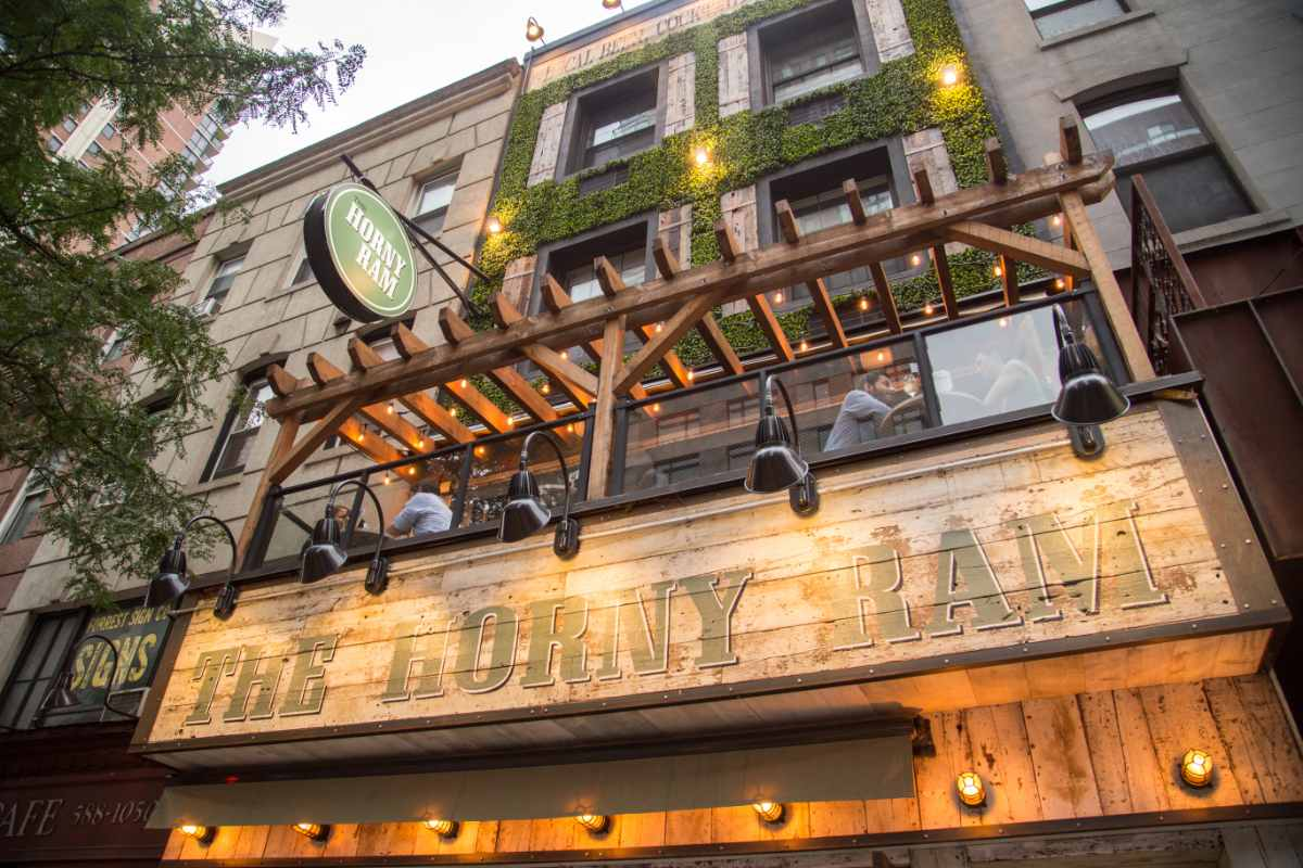 the-horny-ram-terrace-bottomless-brunch-nyc