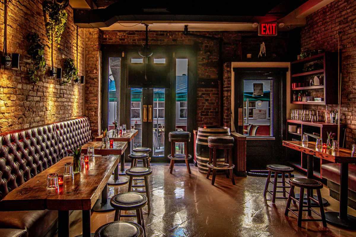 the-malt-house-greenwich-village-bar-and-restaurant-bottomless-brunch-nyc