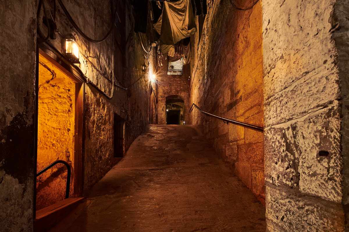 the-real-mary-king's-close-indoor-activities-edinburgh