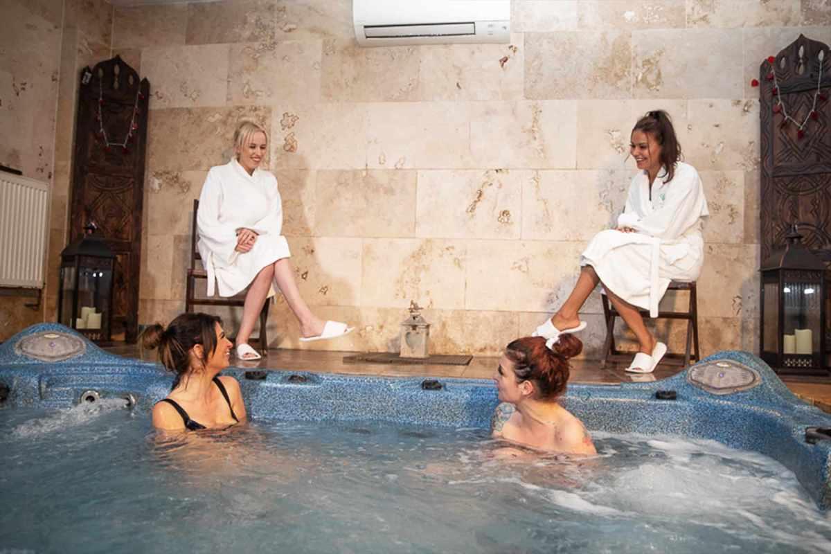 women-in-hot-tub-at-portland-hall-spa