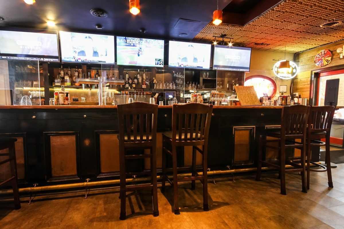 bar-inside-dba-barbeque-restaurant