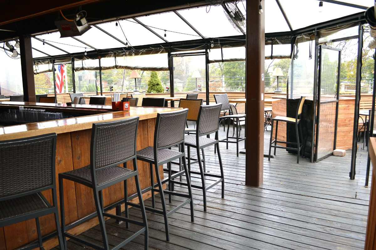 bar-inside-republic-social-house-restaurant