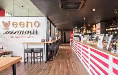 interior-of-veeno-wine-bar-bottomless-brunch-bristol