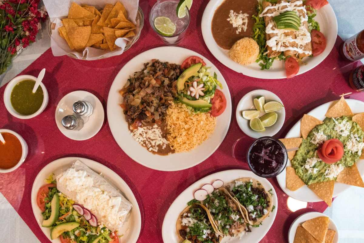 plates-of-food-at-señor-patron-mexican-restaurant