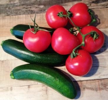 Kochen wie auch Mallorca mit Tomaten und Zucchini