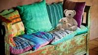 Decken und Kissen als Wohndecko – mehr Flair dank der richtigen Kissen & Decken