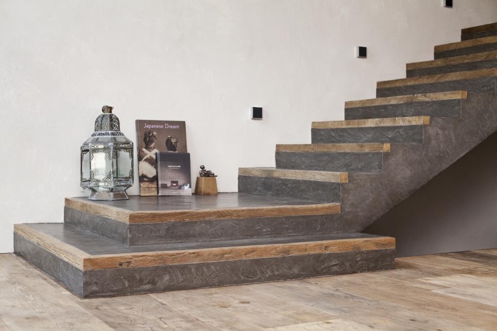 Eine fantastische Treppe in Zementputz