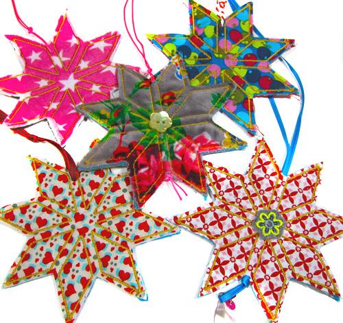 Geschenke mit hübschen Stoffanhängern verzieren