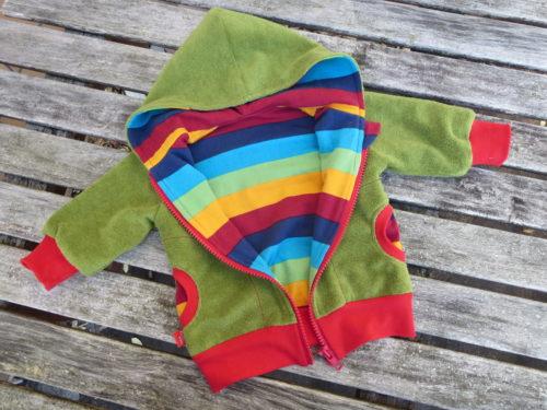 Kuschelige Jacke von klimperklein - Das Papierschnittmuster gibt es im Farbenmix Online Shop