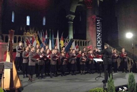 """Assegnazione """"Guidoneum Award"""" 2008, conferito al direttore e al coro """"alla carriera"""", Arezzo, Pieve di Santa Maria"""