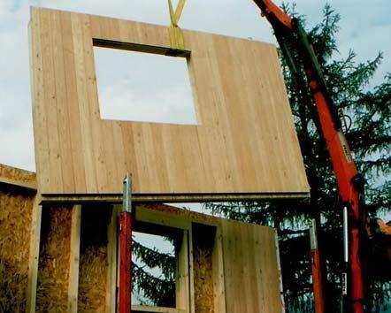 Montaggio in cantiere della parete in telaio di legno