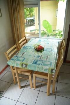 Petit bungalow : table à manger